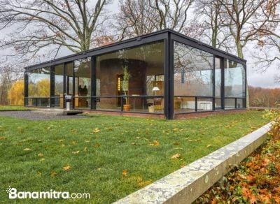konsep rumah tropis glass house
